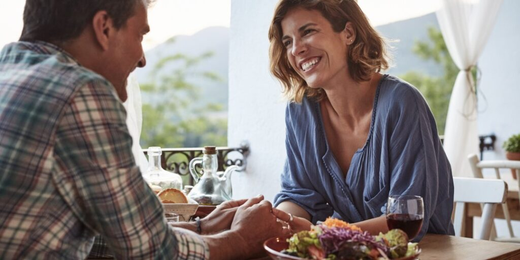 How to Make a Good Impression on The First Date Like a Lady